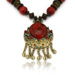 collier-fantaisie-tibet-en-perles-de-bois-et-turquoise-de-synthese