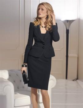 Tailleur-jupe-genou-noir-veste-deux-boutons-Madeleine-Collection-Automne-hiver-2011-2012