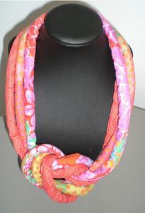 collier en tissu composé de 3 magnifiques imprimés assortis
