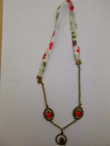 collier 28