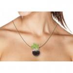 collier-verre-marmitte-avec-vegetal